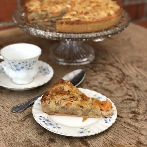 apricot and almond frangipane tart