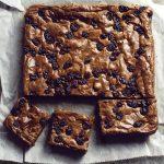 rum and raisin brownie slab
